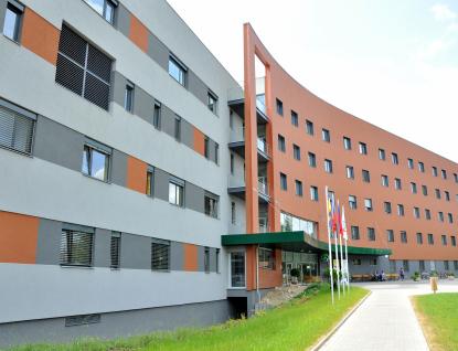 Uherskohradišťská nemocnice uzavřela kvůli koronaviru intenzivní péči, testuje pacienty i personál