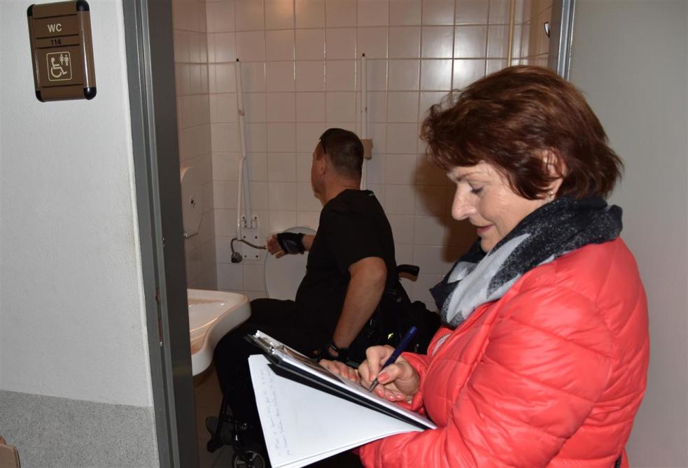 Odborníci hodnotili bezbariérové toalety ve Valašském Meziříčí