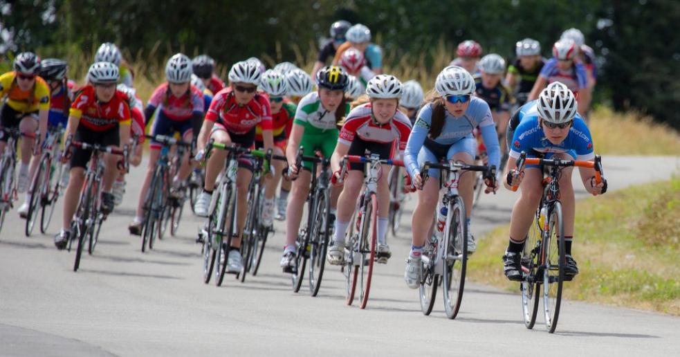 Rožnovem projede cyklistický závod