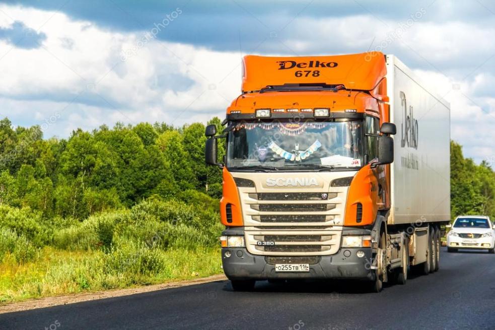 Cizinec kličkoval s kamionem po silnici. Nadýchal 1,56 promile