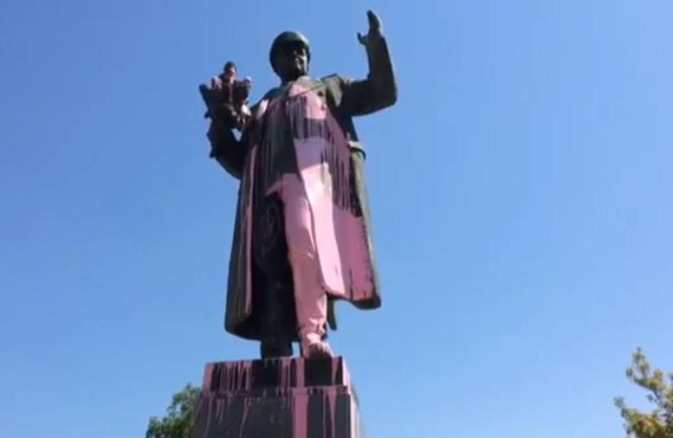 Odstranění Koněva není porušením žádné úmluvy, vzkázalo Česko Rusku