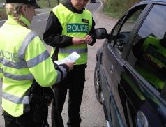 Policisté se při kontrolách zaměřili i na používání bezpečnostních pásů a dětských autosedaček
