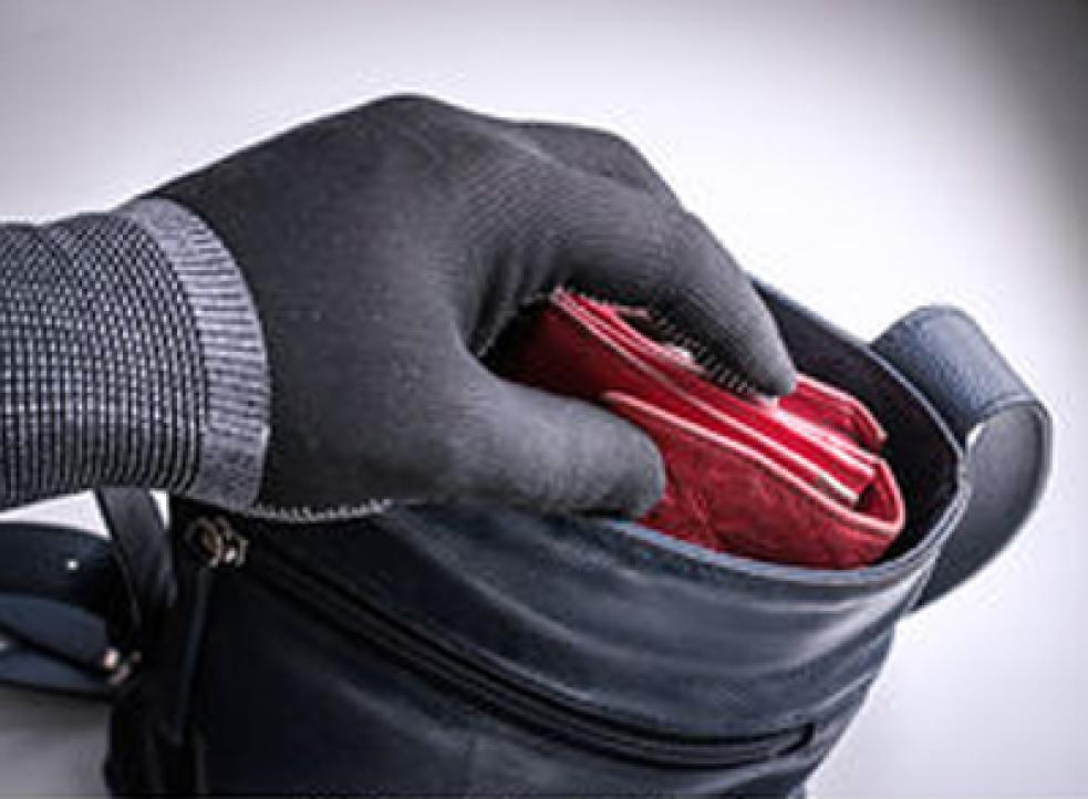 Hlídejte si své věci! Nepoctivci a zloději číhají na každém kroku