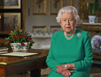 Strašlivé srovnání pro Česko: Citlivý a moudrý projev Alžběty II., naproti tomu útočný a mstivý Zeman