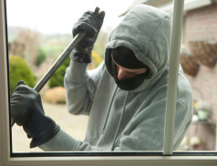 Chyceni při činu. Zloději kradli několikrát ve stejném domě