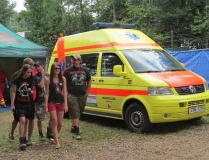 Záchranáři na Masters of Rock ošetřovali v půli festivalu přes tisíc pacientů