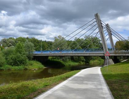 Most vHrachovci přes Bečvu je pro řidiče neprůjezdný