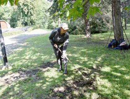 Škody v zámeckém parku po akci Světlo Valmez zaplatí pořadatelé