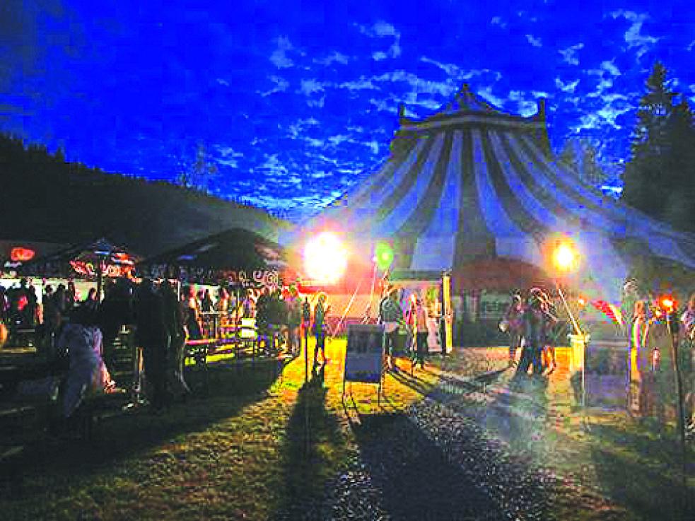 Začíná Týden kultury na Valašsku, nabídne 13 představení v cirkusovém šapitó