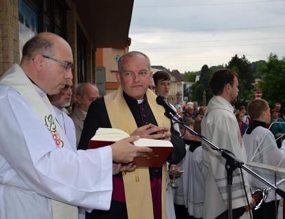 Josef Nuzík požehnal obnovené památky ve Valašském Meziříčí