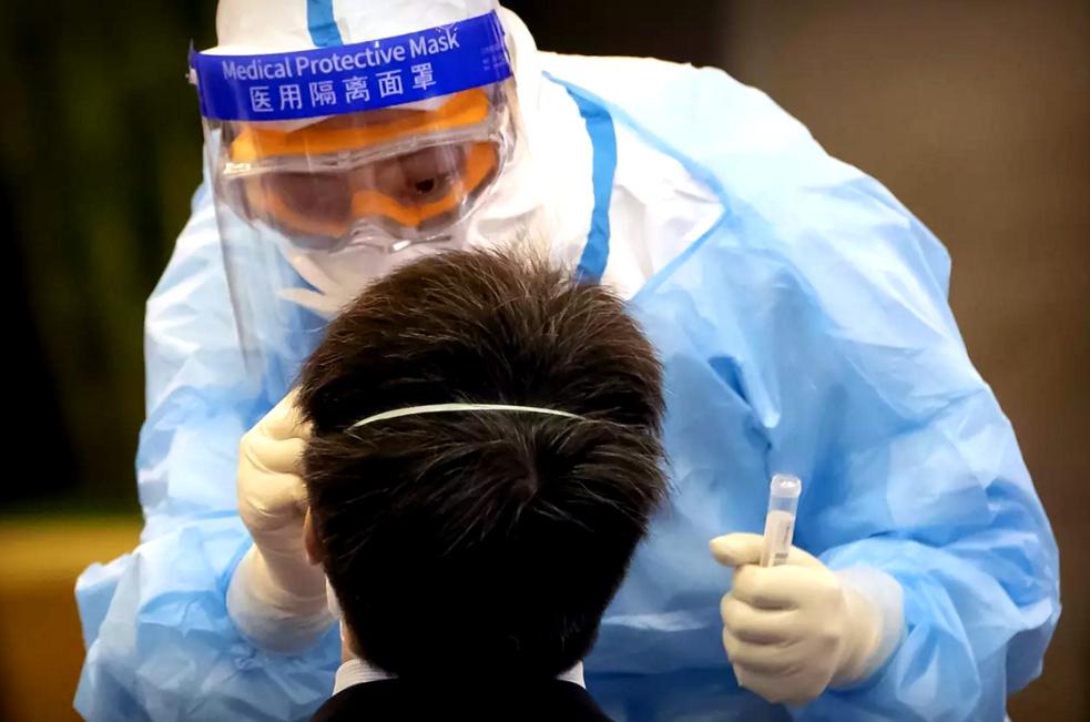 """Přes 80 procent nakažených koronavirem má """"tichou infekci"""""""