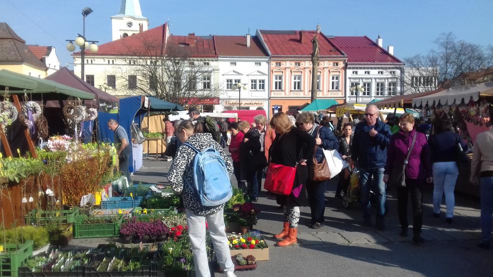 Farmářské trhy lákají na marmeládu i Květinový jarmark. Už zítra