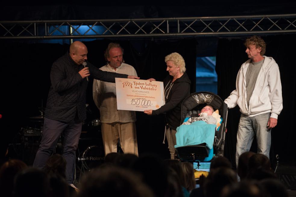 Týden kultury vydělal 300 tisíc pro nemocného chlapce a pro mobilní hospic
