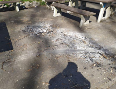 Vandalové poškodili cyklostezku