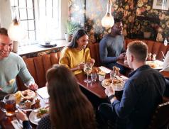 Vídeň podpoří restaurace rozdáváním poukazek