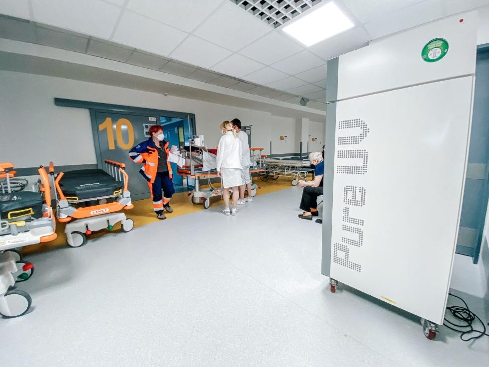 Krajská nemocnice ve Zlíně pořídila špičkové desinfikátory, které zneškodňují mikroorganismy ze vzduchu i povrchů